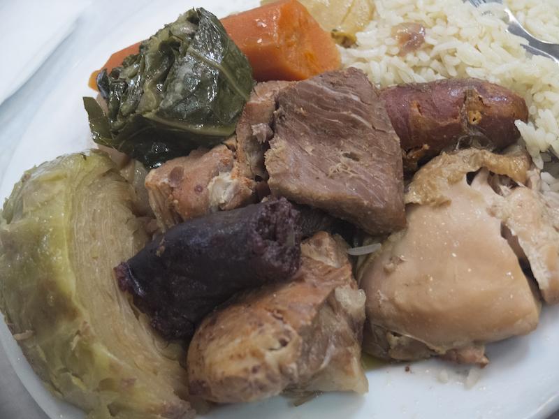Prato de cozido à portuguesa dos Açores