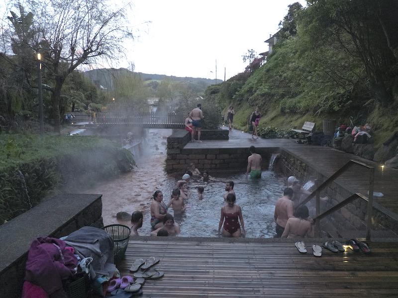 piscina de águas termais