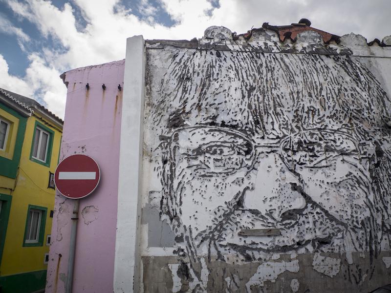 obra de arte urbana de Vhils