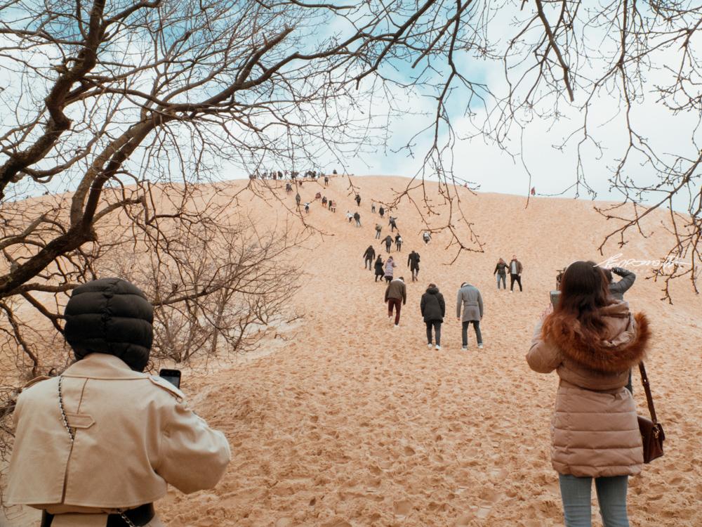 Duna do Pilat com pessoas a subir