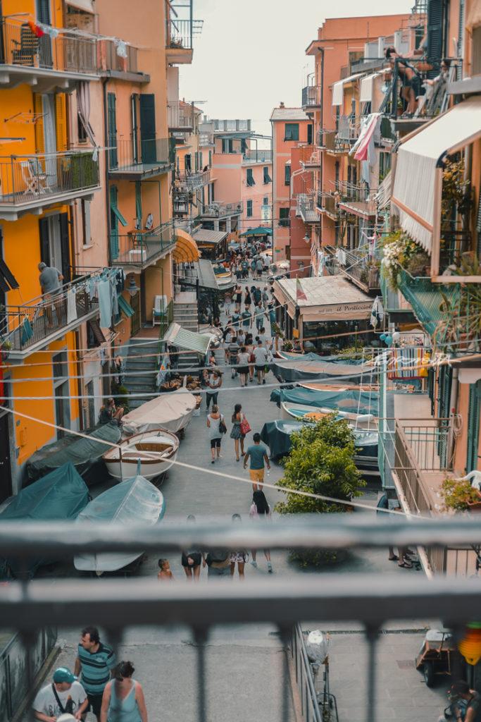 Rua colorida itália