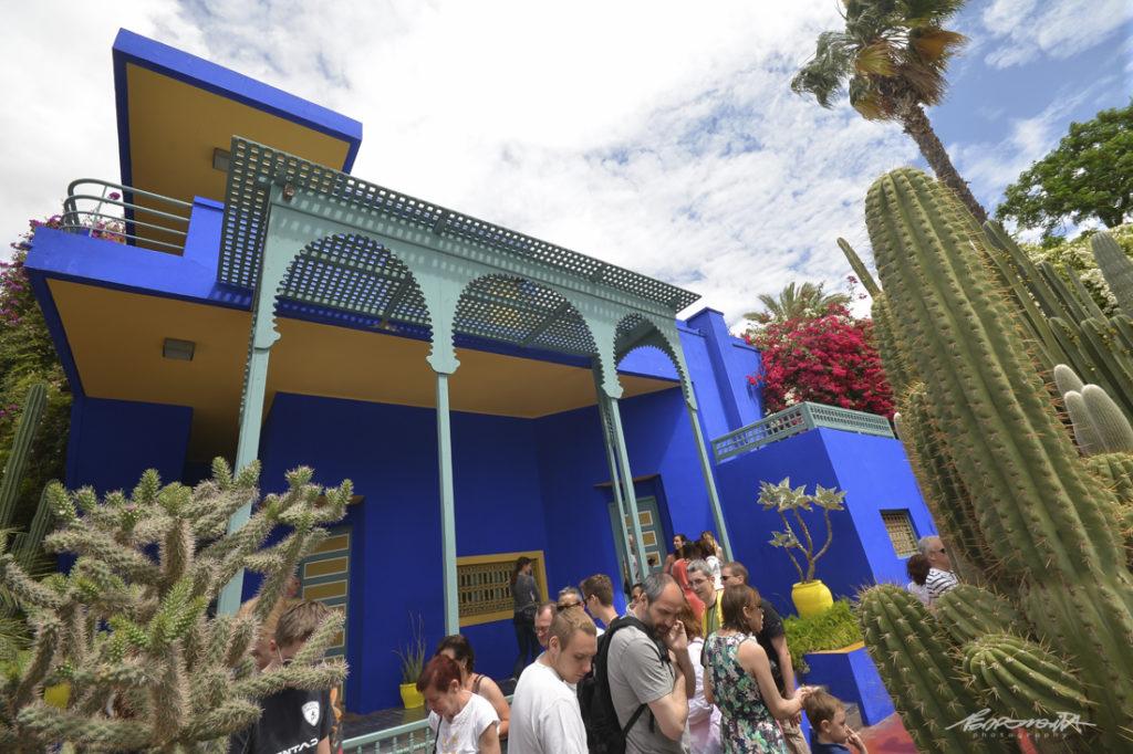 turistas na casa azul do jardim majorelle