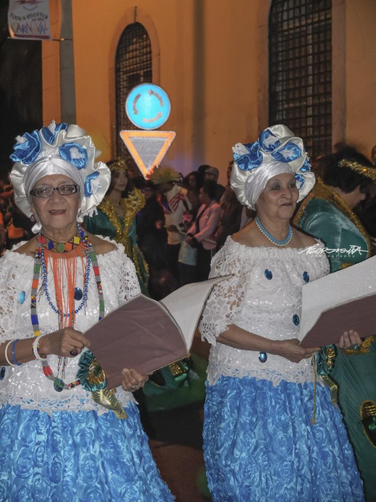 baianas a desfilar no Carnaval
