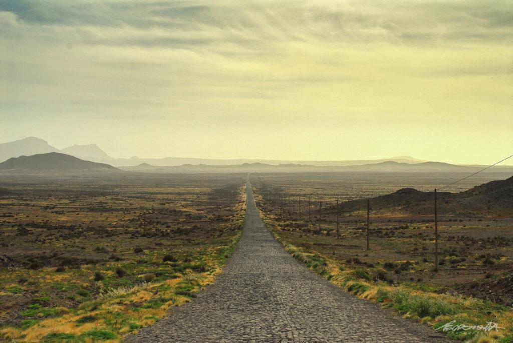 longa estrada de calçada
