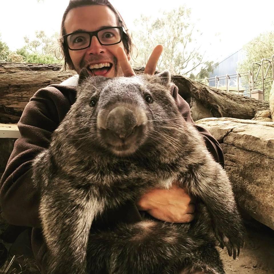 Homem com Wombat