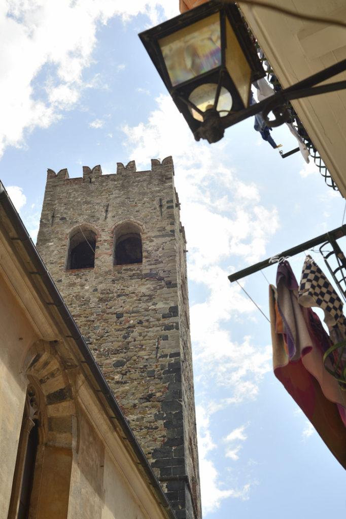 Monterosso al Mare, Itália, torre da igreja