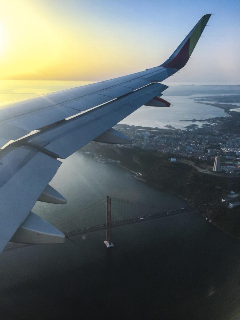 imagem aérea de Lisboa, vista do avião.